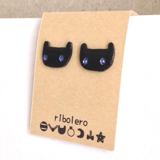 黒猫ピアス