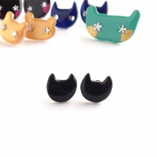 大人かわいい黒猫のミニピアス