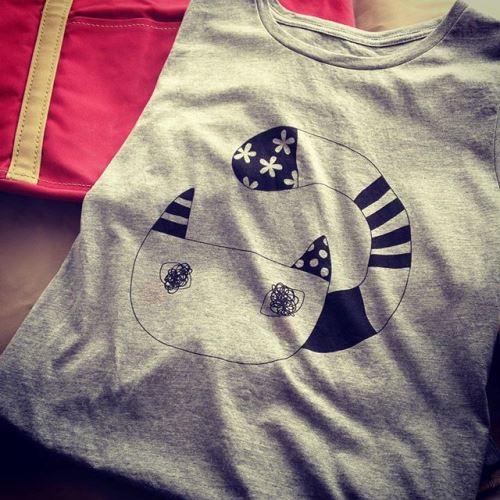 猫Tシャツ「おしゃれネコ」実物